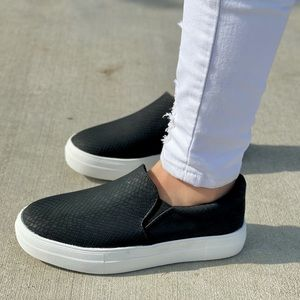 Black cobra scale slip on sneaker